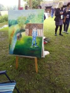 midi! mon tableau est terminé avec le tableau de Lucy pietry par terre au dos de mon chevalet où elle a préféré continuer à peindre