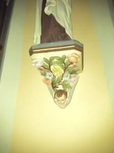 bas relief dans l'église d'onnion photo
